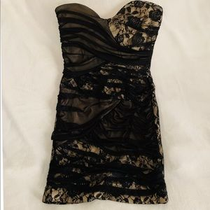 Dresses & Skirts - Strapless black lace dress